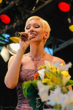 Tango street, semifinalist Hanna Talikainen on stage.